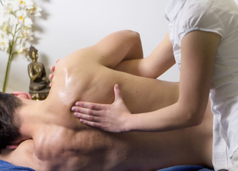 The ayurvedic holistic view of frozen shoulder mobility & pain includes Agnikarma
