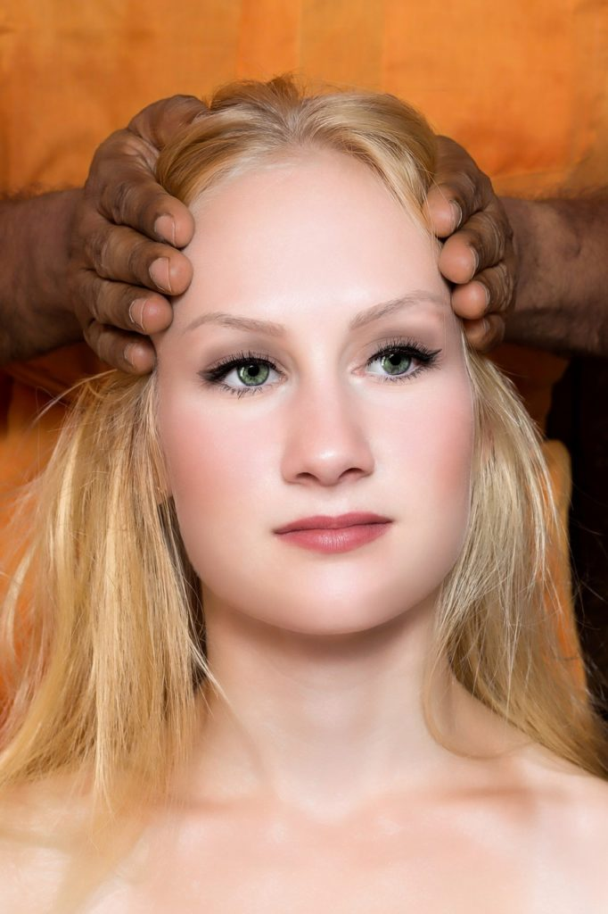 hot oil massage hair